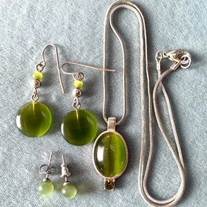 Jewelry - ❤️5 for $15 Green Cat Eye/Silver Necklace Earrings